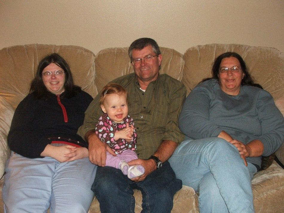 Micah's Uncle Nick, Aunt Teryn & Cousin Angela w/ Violet